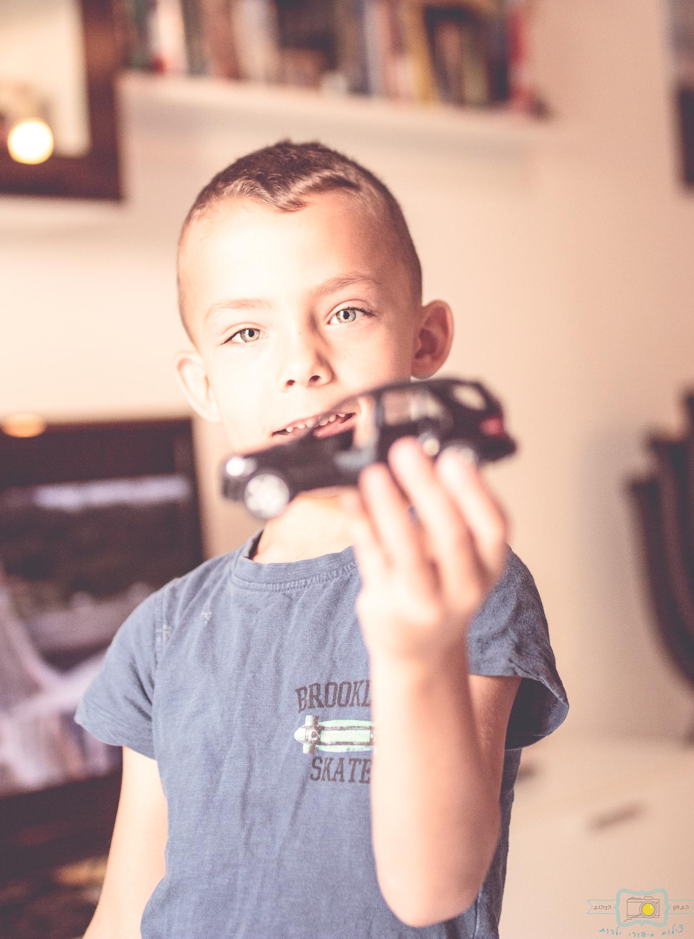 הבלון הצהוב- סטודיו לצילום ועיצוב גרפי IMG_0049-Edit צילום ילדים בבית- על  צילומי לייף סטייל שמעתם?