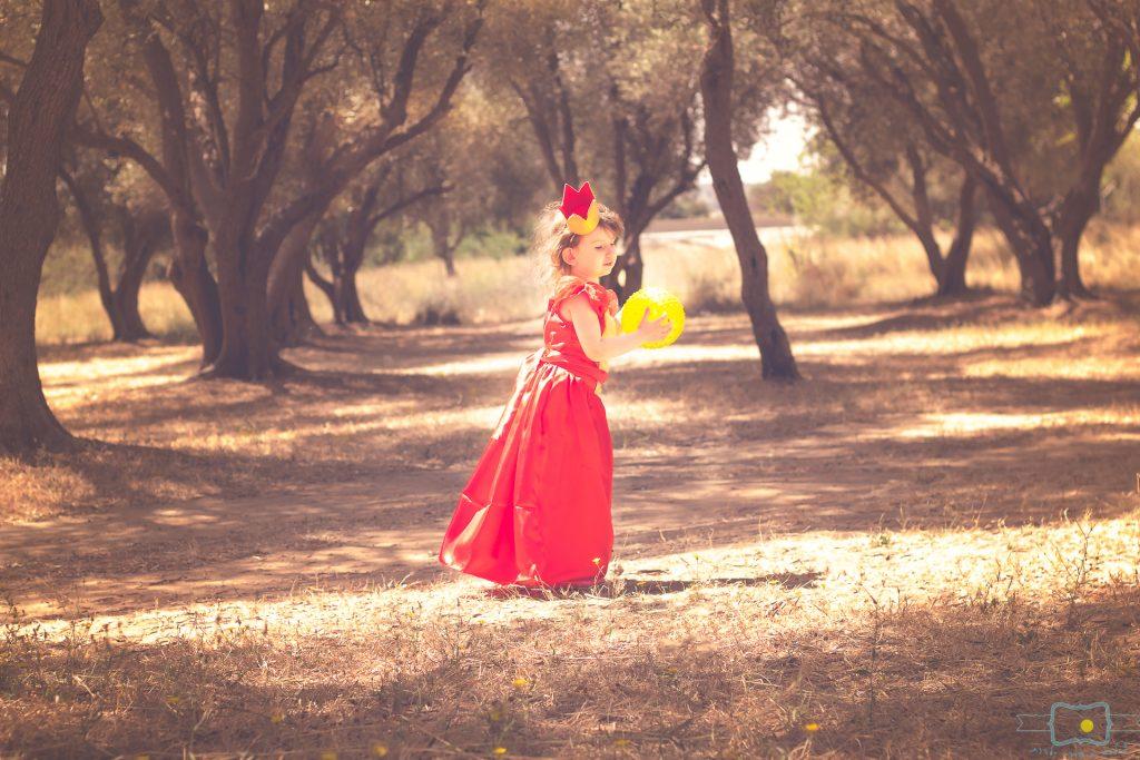 """הבלון הצהוב- סטודיו לצילום ועיצוב גרפי IMG_0594-Edit-Edit-1024x683 צילום בעקבות אגדה- """"הנסיך צפרדע"""" צילום ילדים בטבע, צלמת ילדים בדרום"""