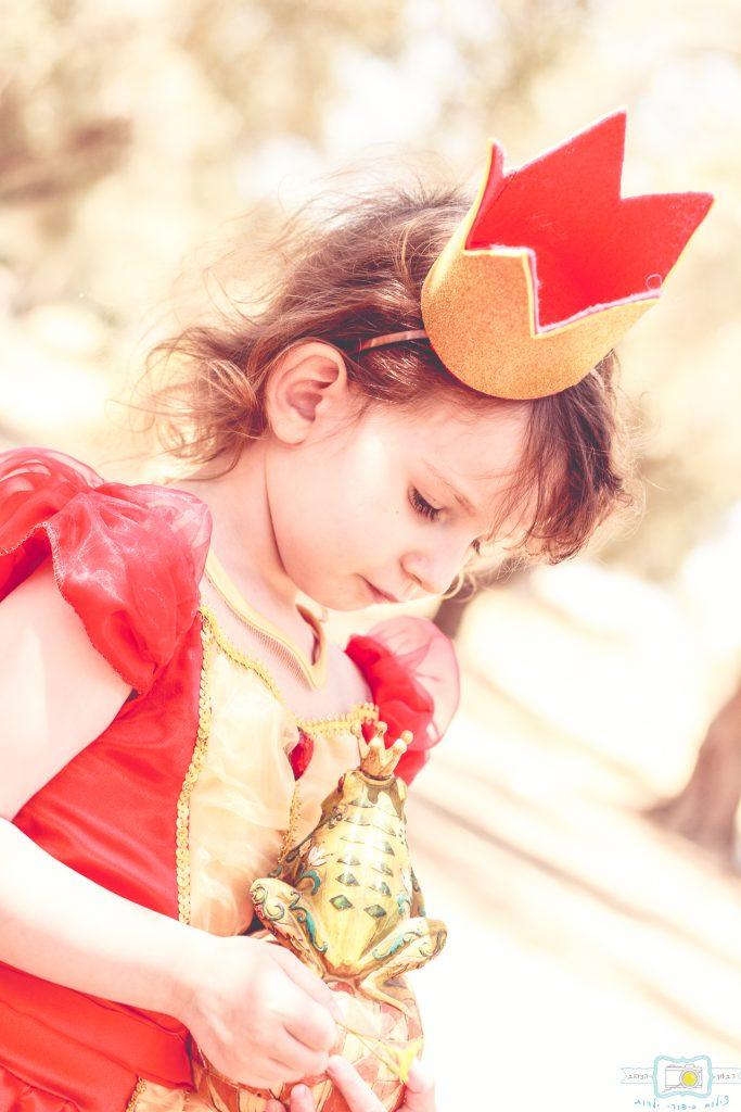 """הבלון הצהוב- סטודיו לצילום ועיצוב גרפי IMG_0614-Edit-683x1024 צילום בעקבות אגדה- """"הנסיך צפרדע"""" צילום ילדים בטבע, צלמת ילדים בדרום"""