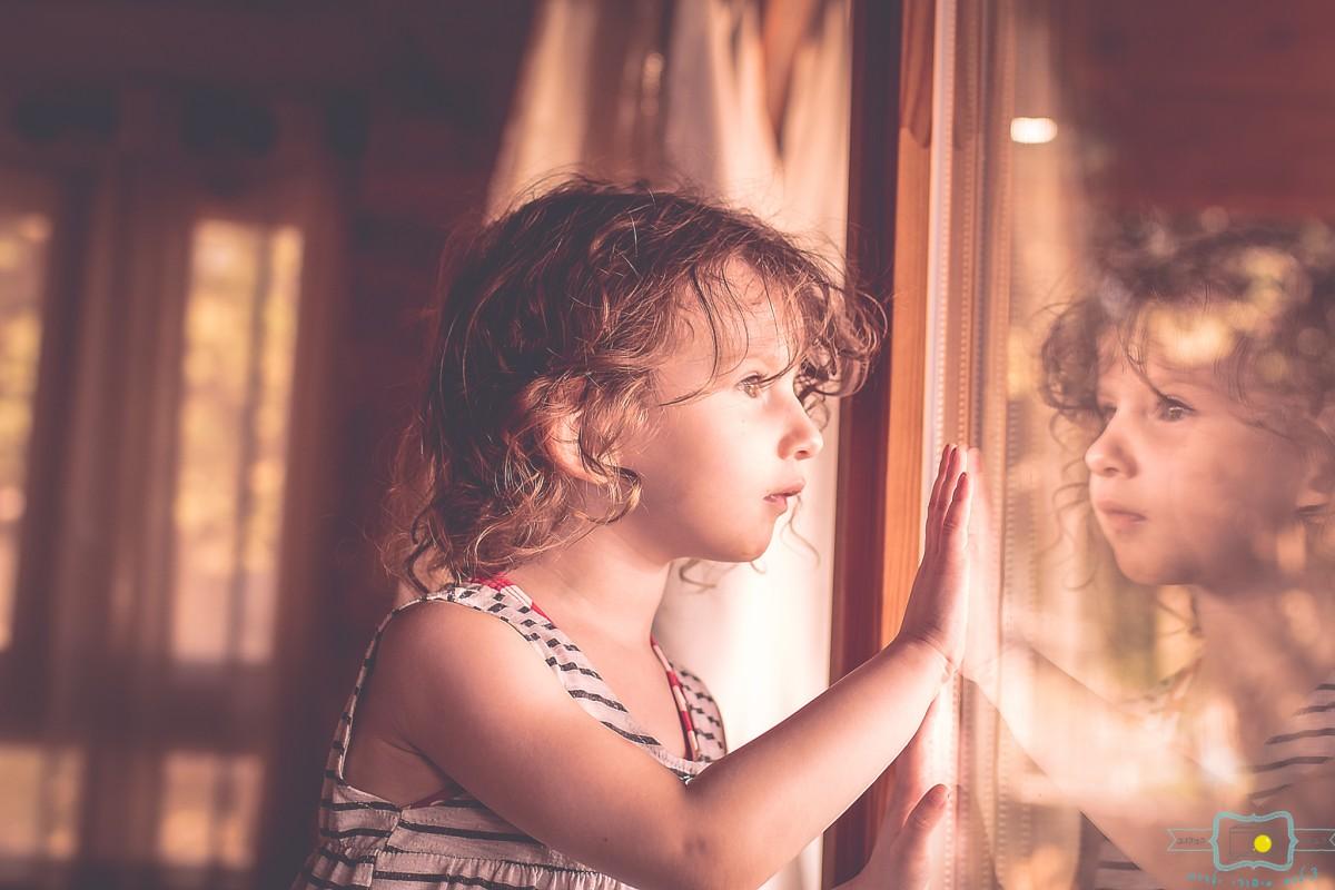 הבלון הצהוב- סטודיו לצילום ועיצוב גרפי IMG_0040-Edit צילום ילדים בבית- על  צילומי לייף סטייל שמעתם?