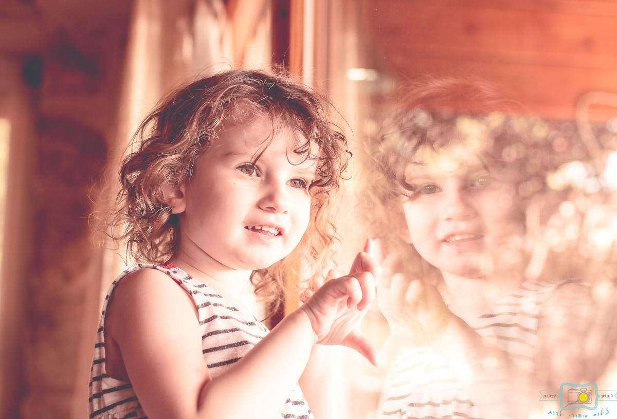 הבלון הצהוב- סטודיו לצילום ועיצוב גרפי IMG_0045-Edit צילום ילדים בבית- על  צילומי לייף סטייל שמעתם?