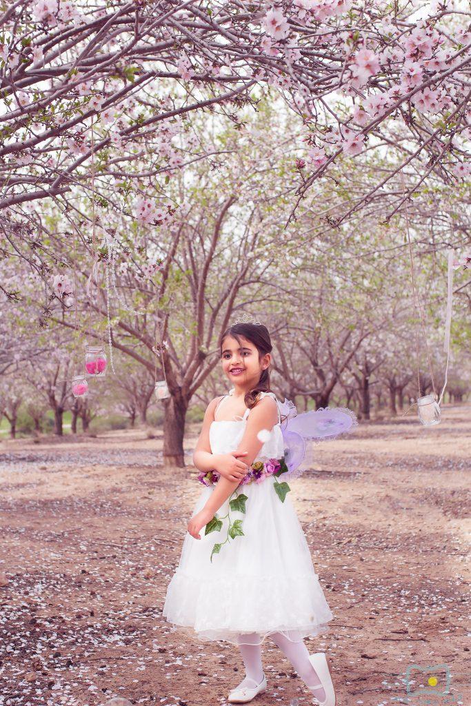 הבלון הצהוב- סטודיו לצילום ועיצוב גרפי IMG_0056-Edit-683x1024 פיית השקדיות- צילומי קונספט לילדים