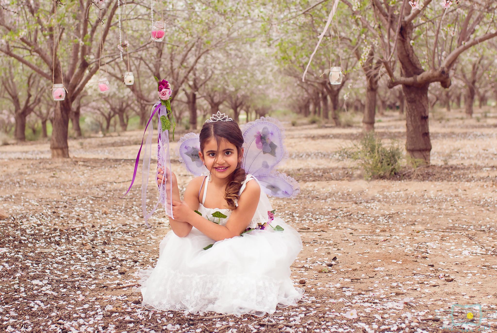הבלון הצהוב- סטודיו לצילום ועיצוב גרפי IMG_0150-Edit פיית השקדיות- צילומי קונספט לילדים