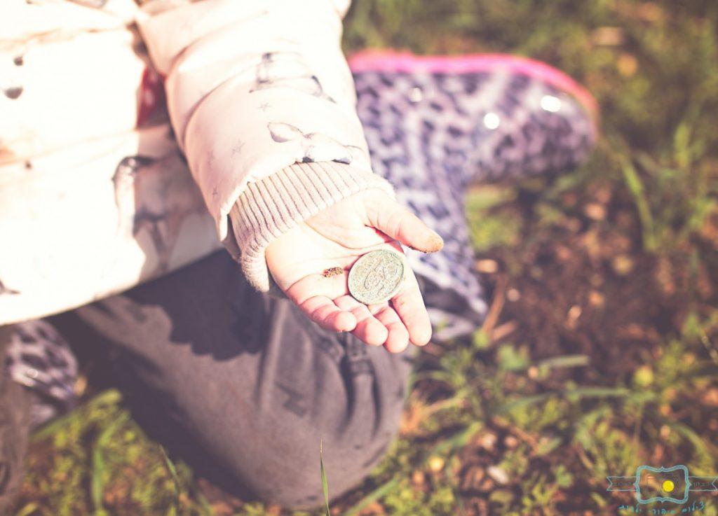 ג'ני פפרמן צלמת הריון, נשיות, בוק בת מצווה ותדמית IMG_0176-Edit-1024x737 שדה של שבלולים- צילום ילדים בטבע, במשחק חופשי. עונות השנה- חורף