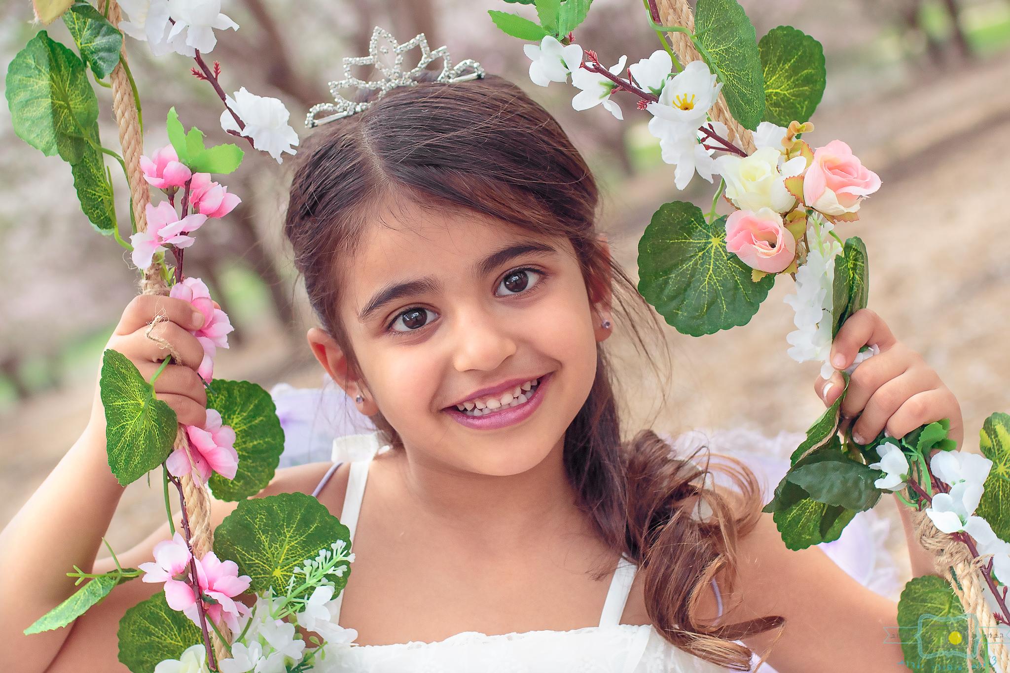 הבלון הצהוב- סטודיו לצילום ועיצוב גרפי IMG_0178-Edit פיית השקדיות- צילומי קונספט לילדים