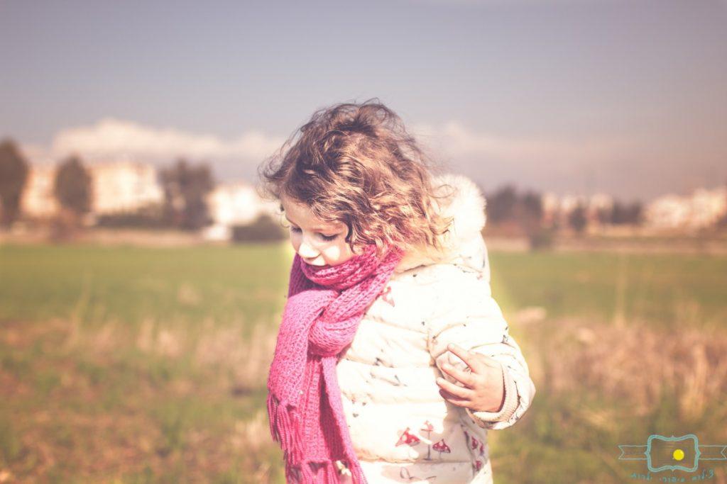 ג'ני פפרמן צלמת הריון, נשיות, בוק בת מצווה ותדמית IMG_0184-Edit-1024x683 שדה של שבלולים- צילום ילדים בטבע, במשחק חופשי. עונות השנה- חורף