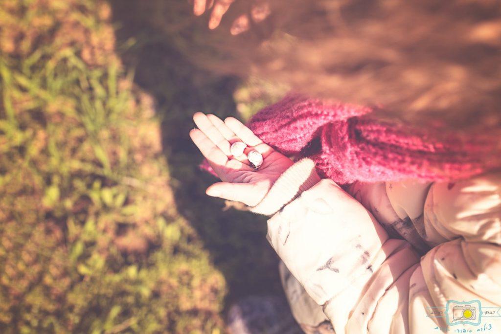 ג'ני פפרמן צלמת הריון, נשיות, בוק בת מצווה ותדמית IMG_0205-Edit-1024x683 שדה של שבלולים- צילום ילדים בטבע, במשחק חופשי. עונות השנה- חורף