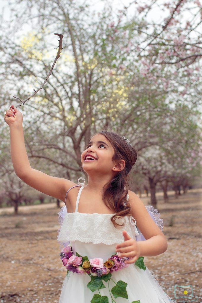 הבלון הצהוב- סטודיו לצילום ועיצוב גרפי IMG_0213-Edit-2-683x1024 פיית השקדיות- צילומי קונספט לילדים