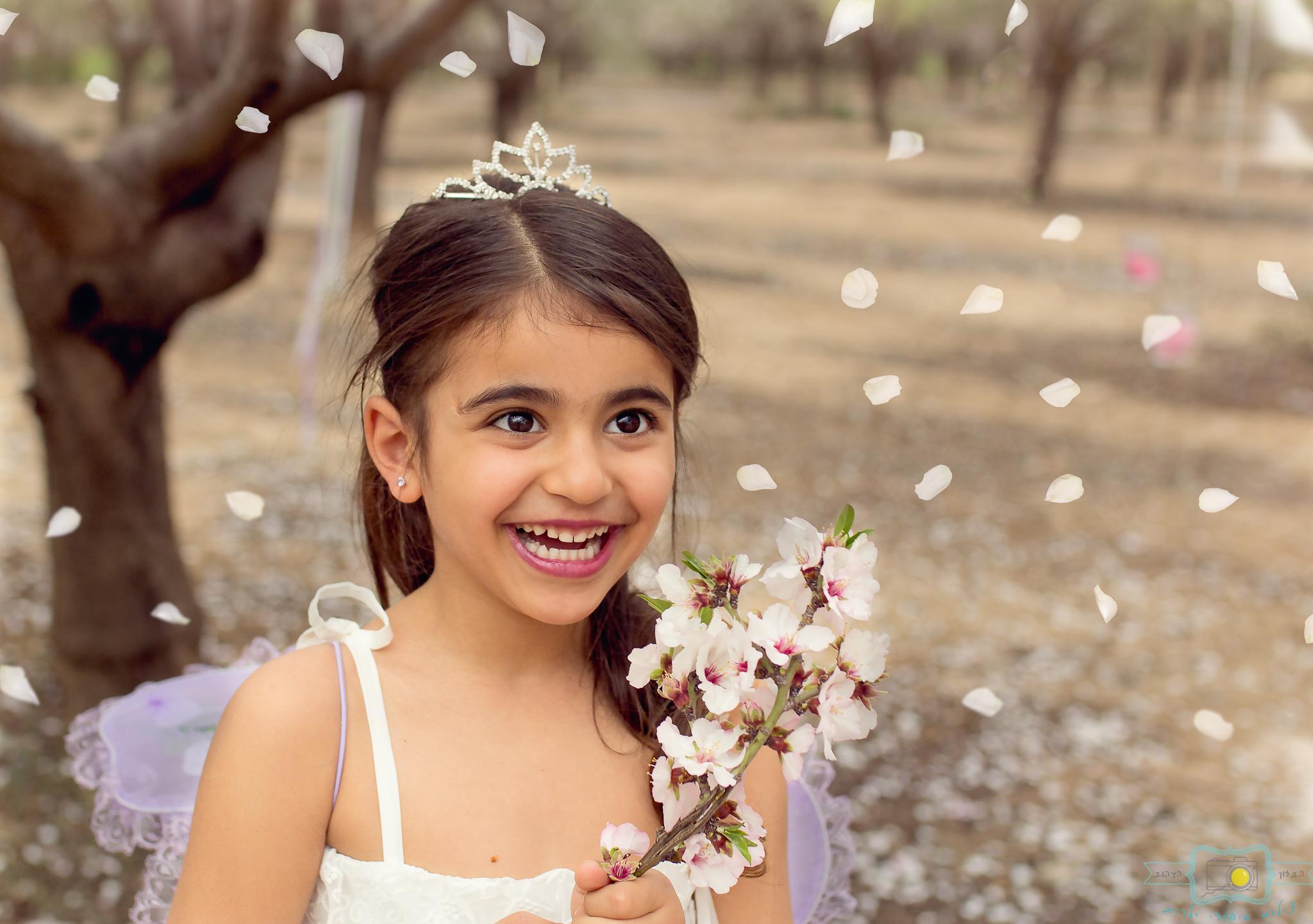 הבלון הצהוב- סטודיו לצילום ועיצוב גרפי IMG_0229-Edit-2 פיית השקדיות- צילומי קונספט לילדים