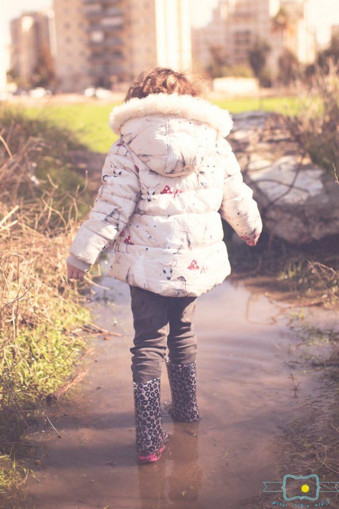ג'ני פפרמן צלמת הריון, נשיות, בוק בת מצווה ותדמית IMG_0245-Edit-Edit-683x1024 שדה של שבלולים- צילום ילדים בטבע, במשחק חופשי. עונות השנה- חורף