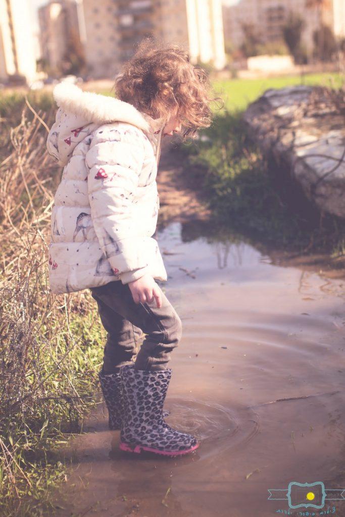 ג'ני פפרמן צלמת הריון, נשיות, בוק בת מצווה ותדמית IMG_0249-Edit-Edit-683x1024 שדה של שבלולים- צילום ילדים בטבע, במשחק חופשי. עונות השנה- חורף