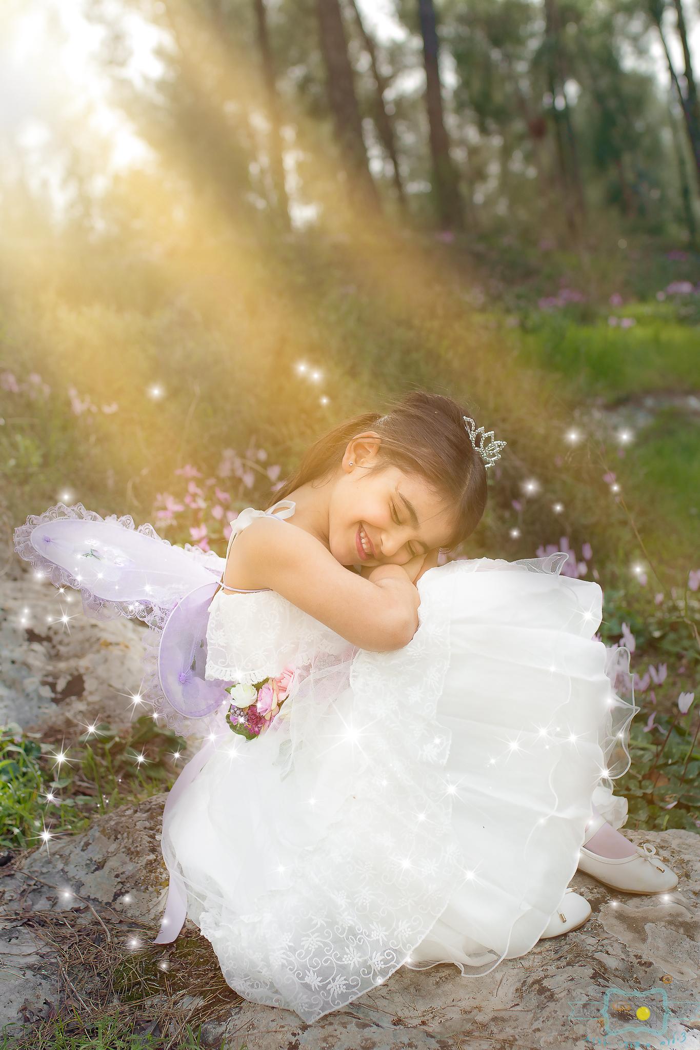 הבלון הצהוב- סטודיו לצילום ועיצוב גרפי IMG_0385-Edit פיית השקדיות- צילומי קונספט לילדים