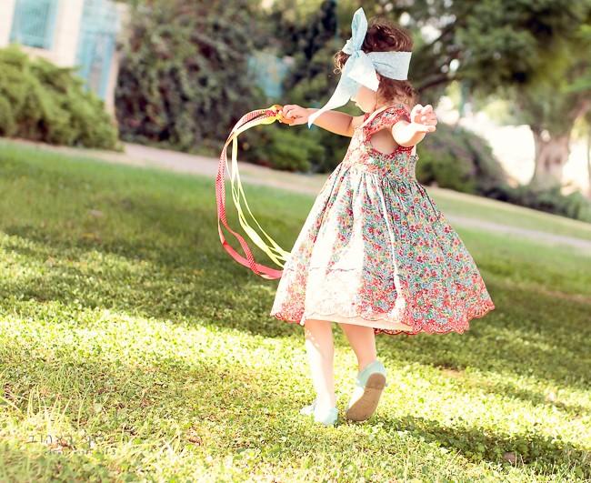 הבלון הצהוב- סטודיו לצילום ועיצוב גרפי IMG_0150-Edit-2 צילום ספר אישי לילד- פירורינייה