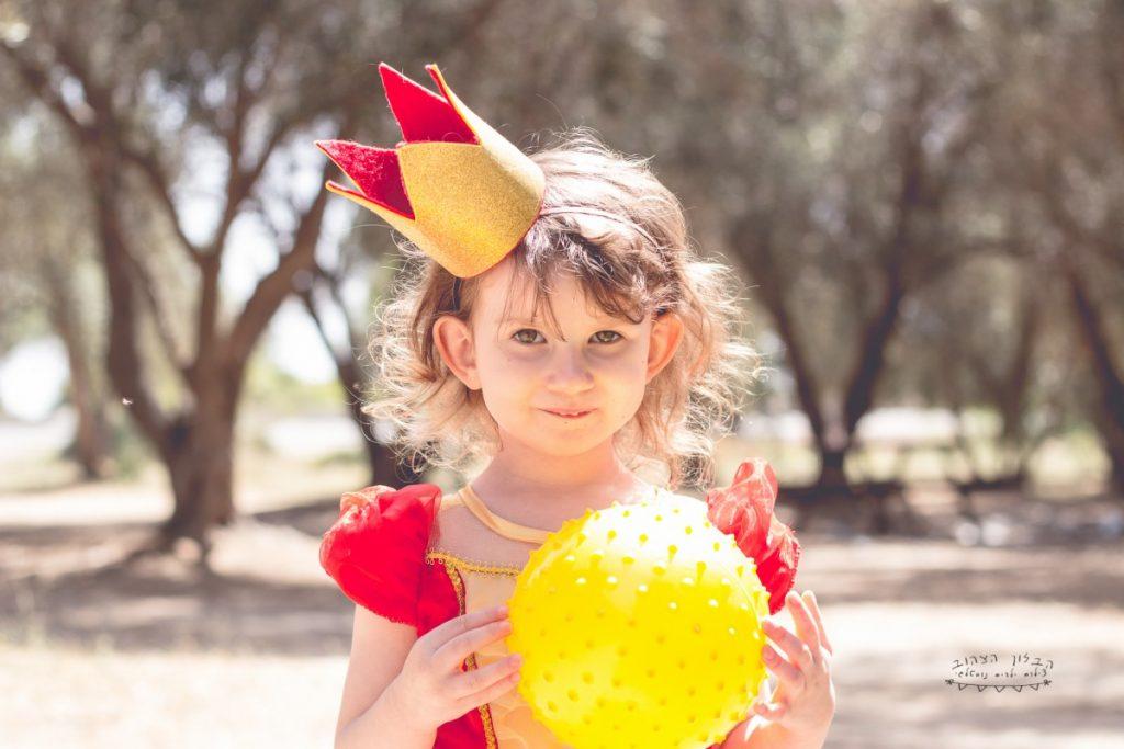 """הבלון הצהוב- סטודיו לצילום ועיצוב גרפי IMG_0591-1024x683 צילום בעקבות אגדה- """"הנסיך צפרדע"""" צילום ילדים בטבע, צלמת ילדים בדרום"""