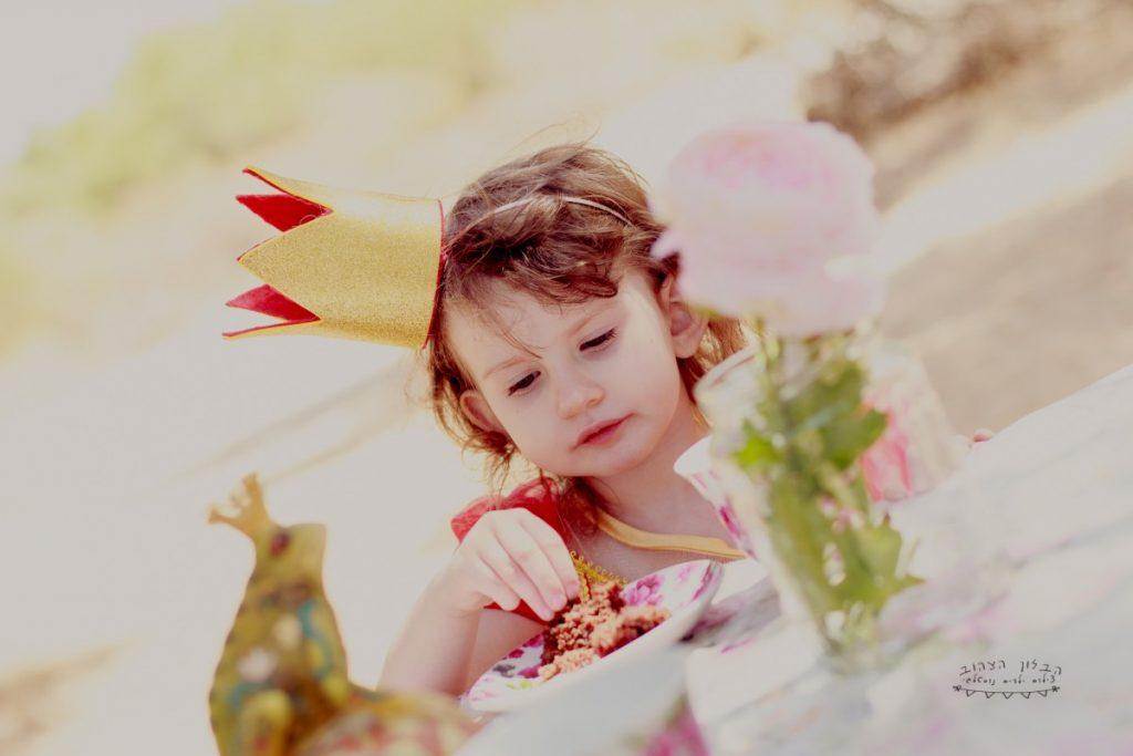 """הבלון הצהוב- סטודיו לצילום ועיצוב גרפי IMG_0651-Edit-1024x683 צילום בעקבות אגדה- """"הנסיך צפרדע"""" צילום ילדים בטבע, צלמת ילדים בדרום"""