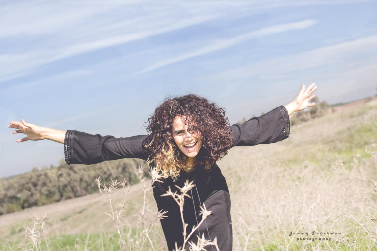 הבלון הצהוב- סטודיו לצילום ועיצוב גרפי IMG_0114-Edit-4 מורן הילה- צילומי נשיות והעצמה הנשית בטבע