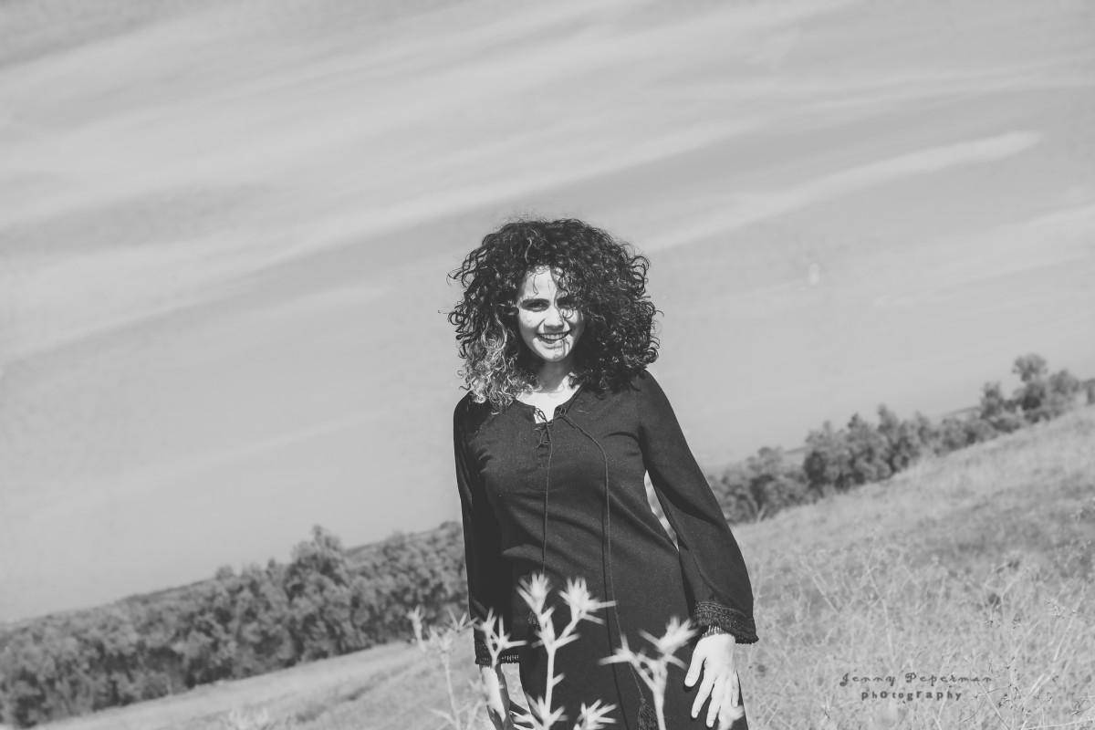 הבלון הצהוב- סטודיו לצילום ועיצוב גרפי IMG_0115-Edit-4 מורן הילה- צילומי נשיות והעצמה הנשית בטבע