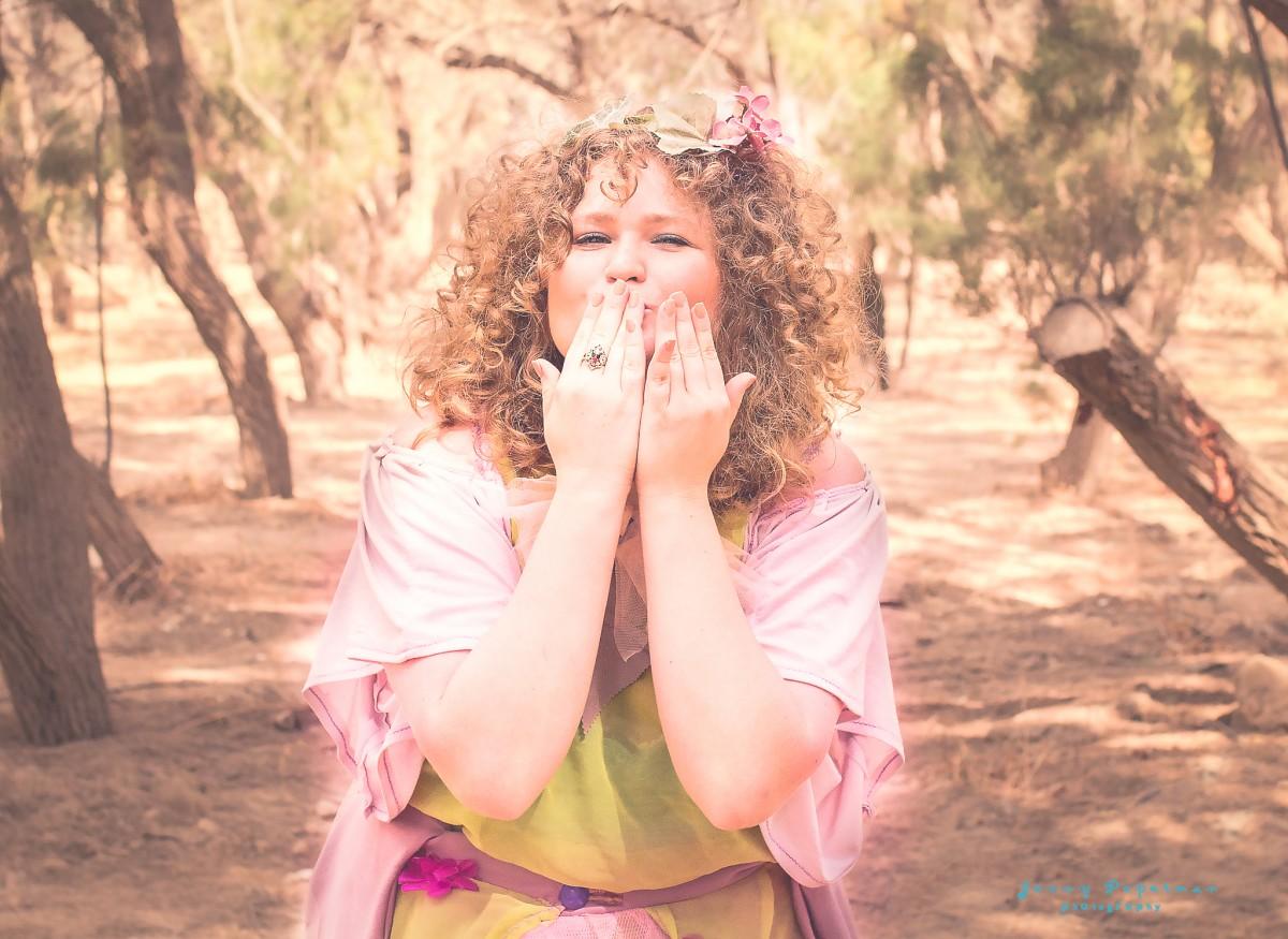 ג'ני פפרמן צלמת הריון, נשיות, בוק בת מצווה ותדמית IMG_0344-Edit-2 שמח בלב- צילומי תדמית מיוחדים