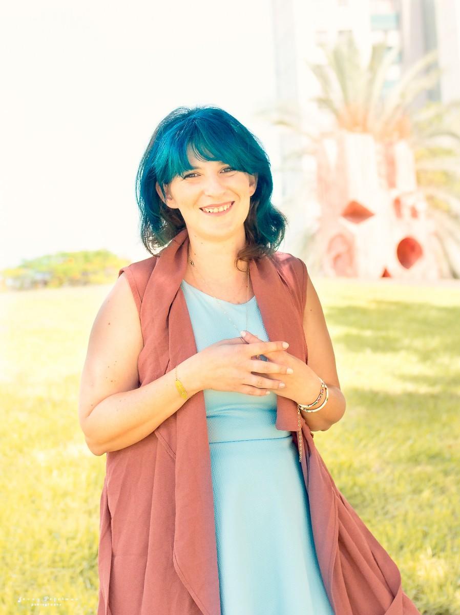 הבלון הצהוב- סטודיו לצילום ועיצוב גרפי IMG_0577-Edit ! Smile- צילומי תדמית ואווירה לדנדי  דניאל בן שוע