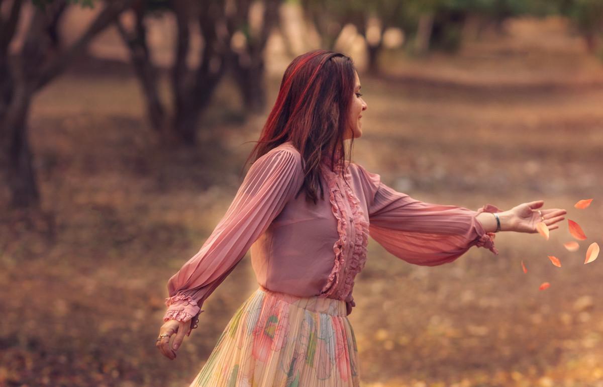 ג'ני פפרמן צלמת הריון, נשיות, בוק בת מצווה ותדמית -נשיות-13-1 צילומי נשיות וצילומי תדמית, מה הבדל ביניהם והאם אפשר לשלב?