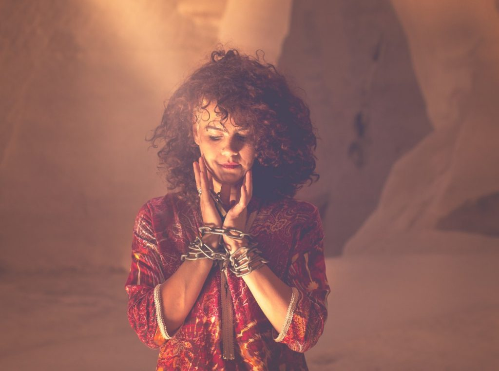 ג'ני פפרמן צלמת הריון, נשיות, בוק בת מצווה ותדמית IMG_0126-Edit-1024x761 להיוולד מחדש- מורן הילה. צילום נשים אומנותי