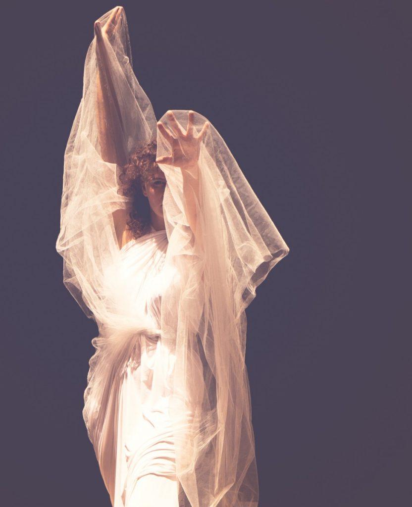 ג'ני פפרמן צלמת הריון, נשיות, בוק בת מצווה ותדמית IMG_0372-Edit-832x1024 להיוולד מחדש- מורן הילה. צילום נשים אומנותי