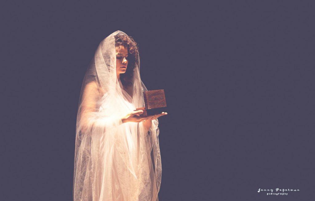 ג'ני פפרמן צלמת הריון, נשיות, בוק בת מצווה ותדמית IMG_0565-1-Recovered-1024x655 להיוולד מחדש- מורן הילה. צילום נשים אומנותי