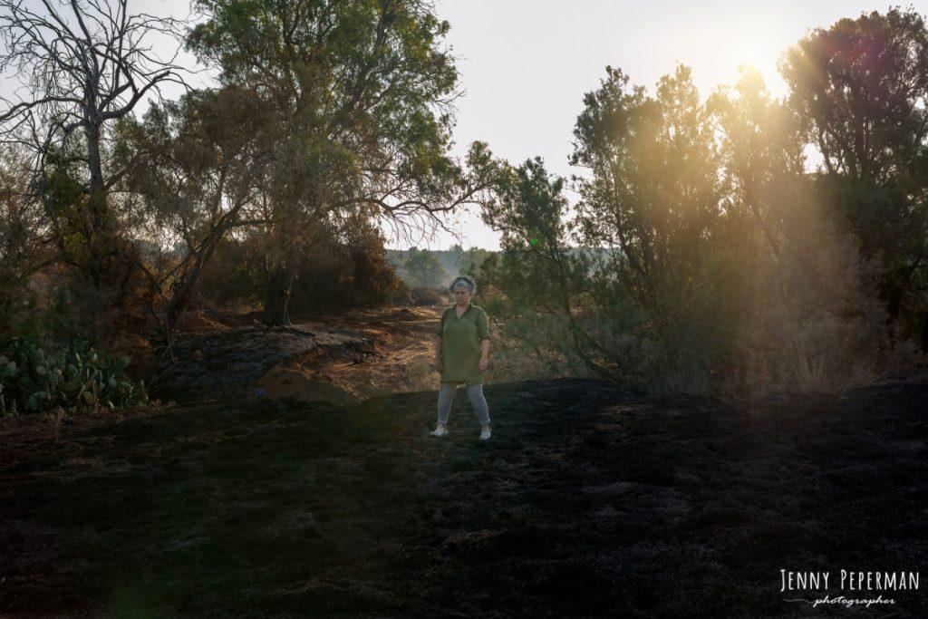 """ג'ני פפרמן צלמת הריון, נשיות, בוק בת מצווה ותדמית IMG_0044-Edit-1024x683 פרויקט צילום אישי """"צ'אקרת השורש""""-תמר, יסוד האדמה.  #דרוםשחור"""