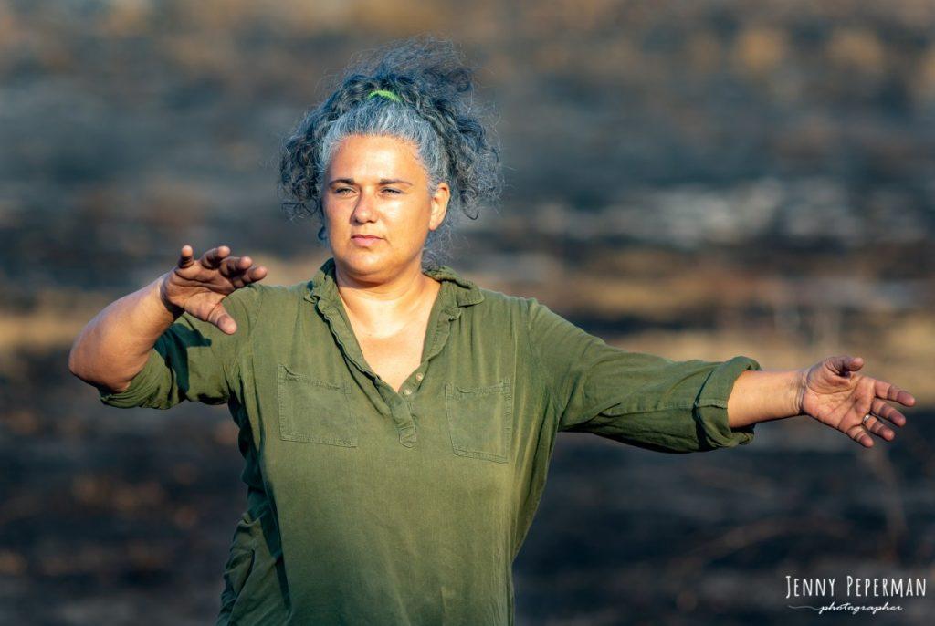 """ג'ני פפרמן צלמת הריון, נשיות, בוק בת מצווה ותדמית IMG_0136-Edit-1024x686 פרויקט צילום אישי """"צ'אקרת השורש""""-תמר, יסוד האדמה.  #דרוםשחור"""