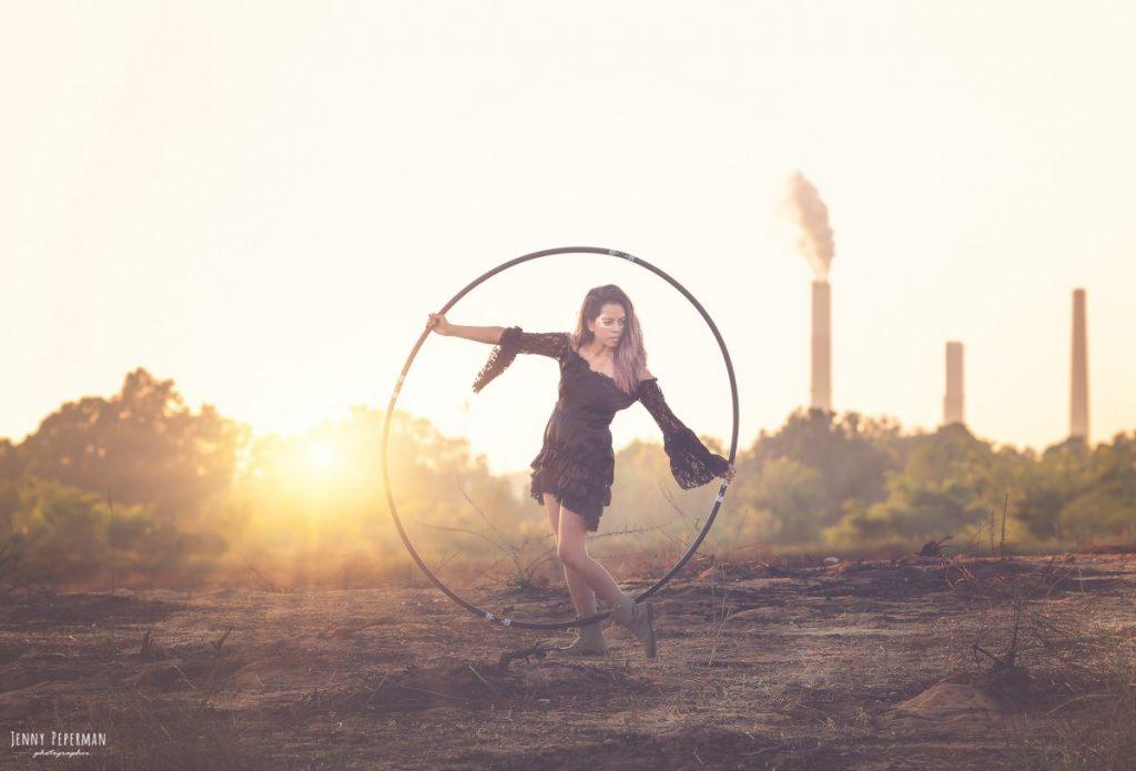 """ג'ני פפרמן צלמת הריון, נשיות, בוק בת מצווה ותדמית IMG_0293-Edit-1024x695 """" צ'אקרת השורש""""- פרויקט אישי של  צילום נשים . אורלי- יסוד האוויר. #דרוםשחור"""