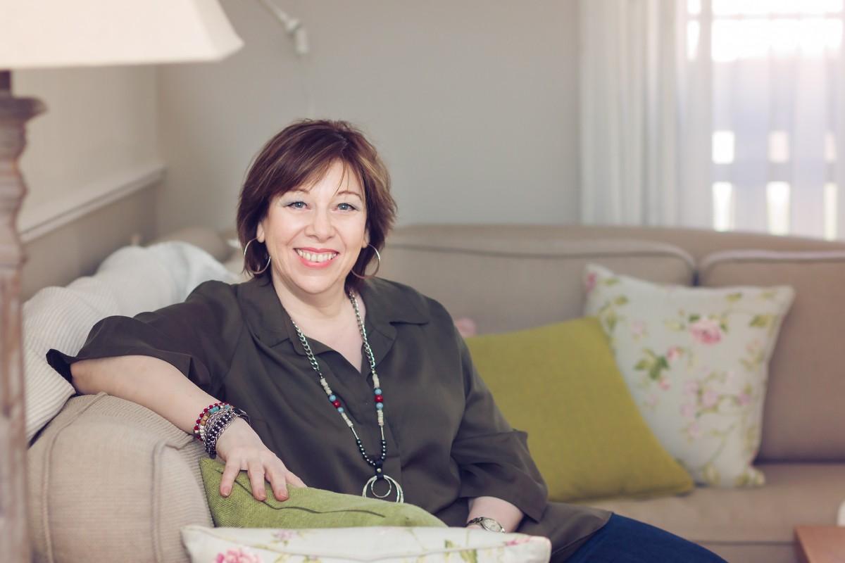 הבלון הצהוב- סטודיו לצילום ועיצוב גרפי IMG_0033-Edit בוק אישי לאישה מיוחדת- צילומי נשיות בבית