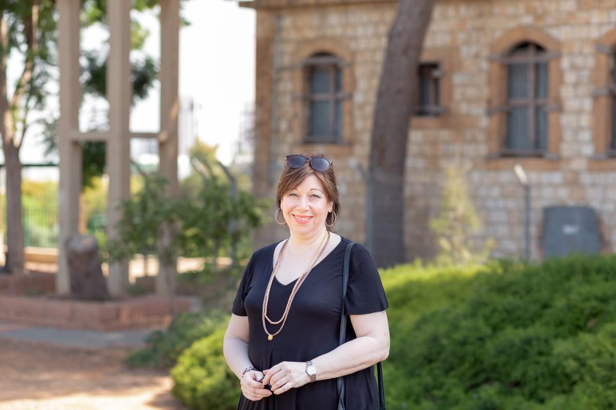 הבלון הצהוב- סטודיו לצילום ועיצוב גרפי IMG_0150-Edit בוק אישי לאישה מיוחדת- צילומי נשיות בבית