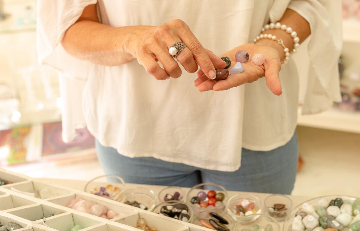 """ג'ני פפרמן צלמת הריון, נשיות, בוק בת מצווה ותדמית IMG_0159 צילומי אווירה לתכשיטים - """" דרך הטבע"""""""