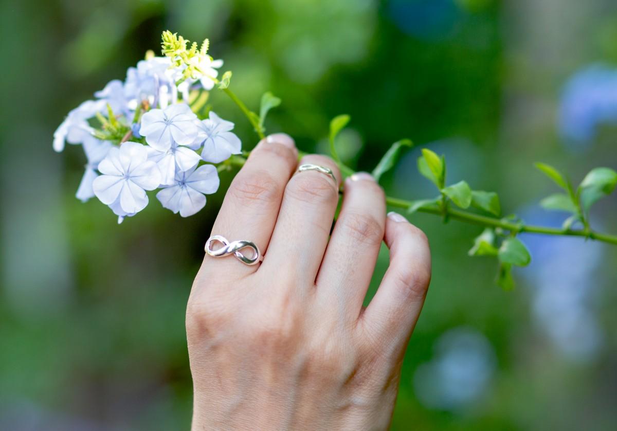 """ג'ני פפרמן צלמת הריון, נשיות, בוק בת מצווה ותדמית IMG_0334 צילומי אווירה לתכשיטים - """" דרך הטבע"""""""