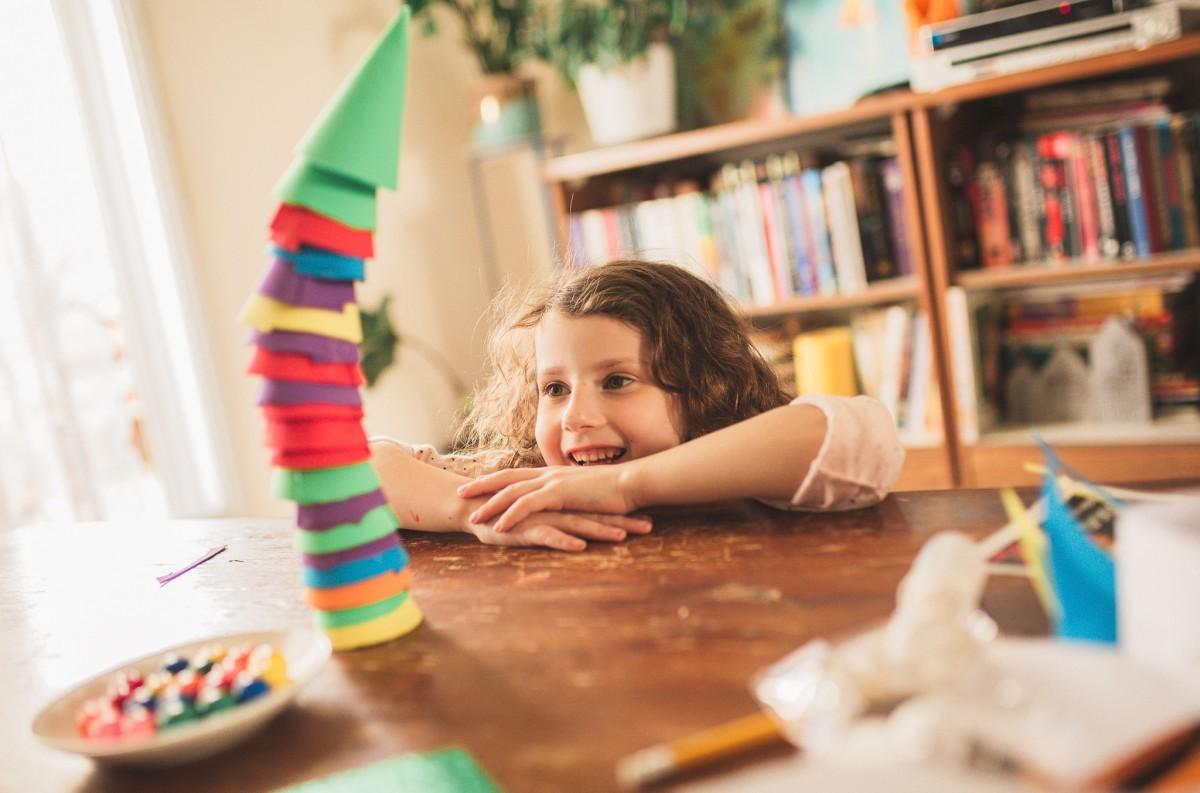 הבלון הצהוב- סטודיו לצילום ועיצוב גרפי -ילדים-בבית-0040 על דרקונים ויצורים אחרים- פרויקט יצירת זיכרונות ילדות