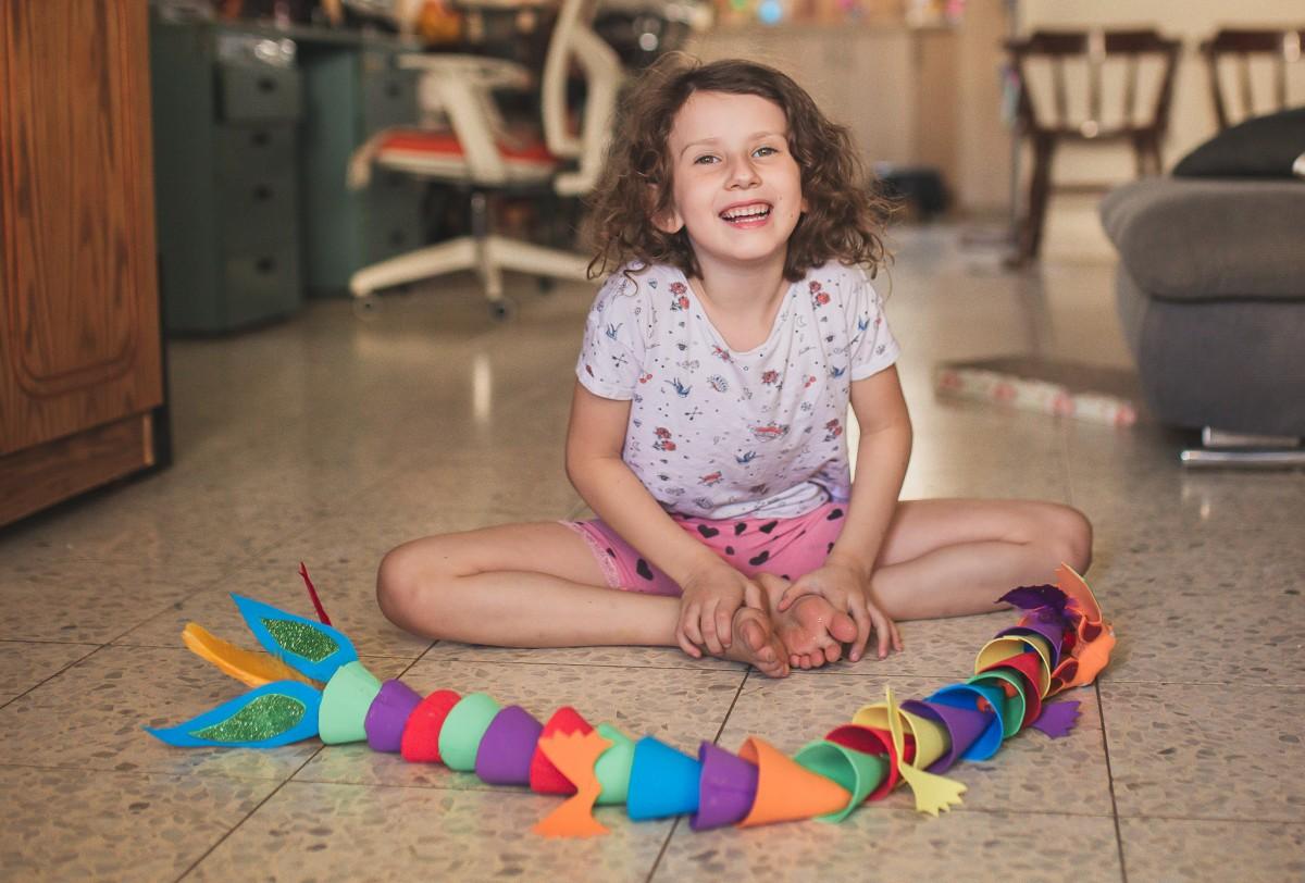 הבלון הצהוב- סטודיו לצילום ועיצוב גרפי -ילדים-בבית-0087 על דרקונים ויצורים אחרים- פרויקט יצירת זיכרונות ילדות