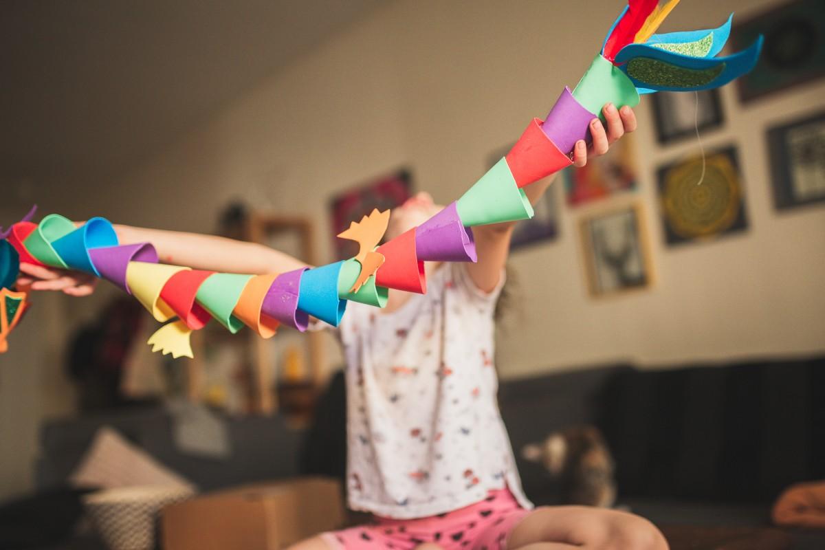הבלון הצהוב- סטודיו לצילום ועיצוב גרפי -ילדים-בבית-0088 על דרקונים ויצורים אחרים- פרויקט יצירת זיכרונות ילדות