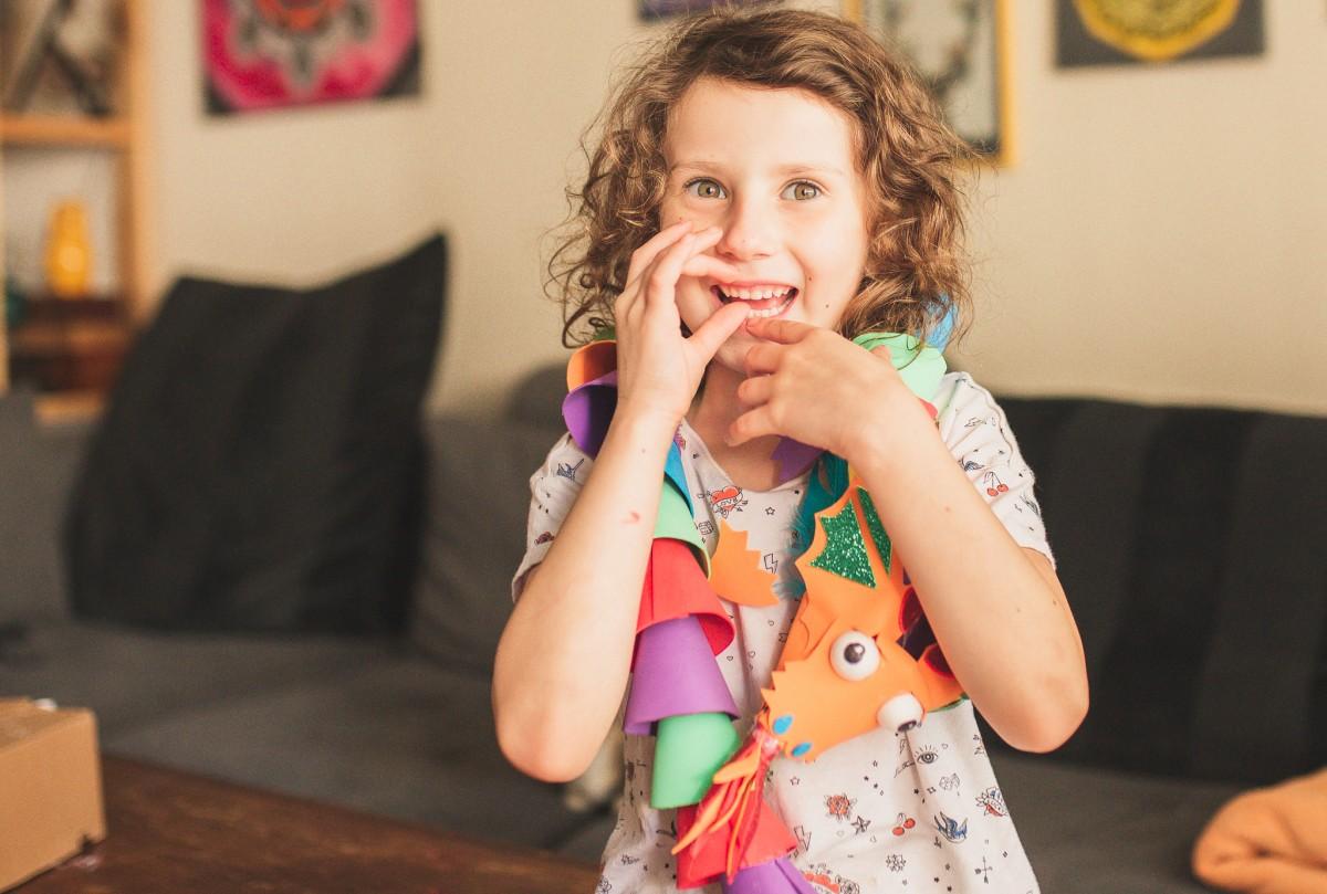 הבלון הצהוב- סטודיו לצילום ועיצוב גרפי -ילדים-בבית-0098 על דרקונים ויצורים אחרים- פרויקט יצירת זיכרונות ילדות