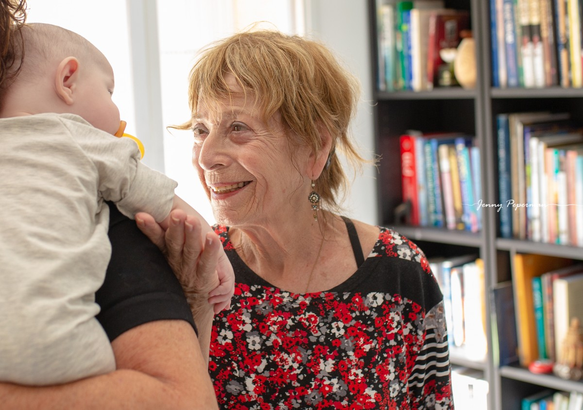 ג'ני פפרמן צלמת הריון, נשיות, בוק בת מצווה ותדמית IMG_0334 אוצרות של ממש- צילומי משפחה בסגנון דוקומנטרי