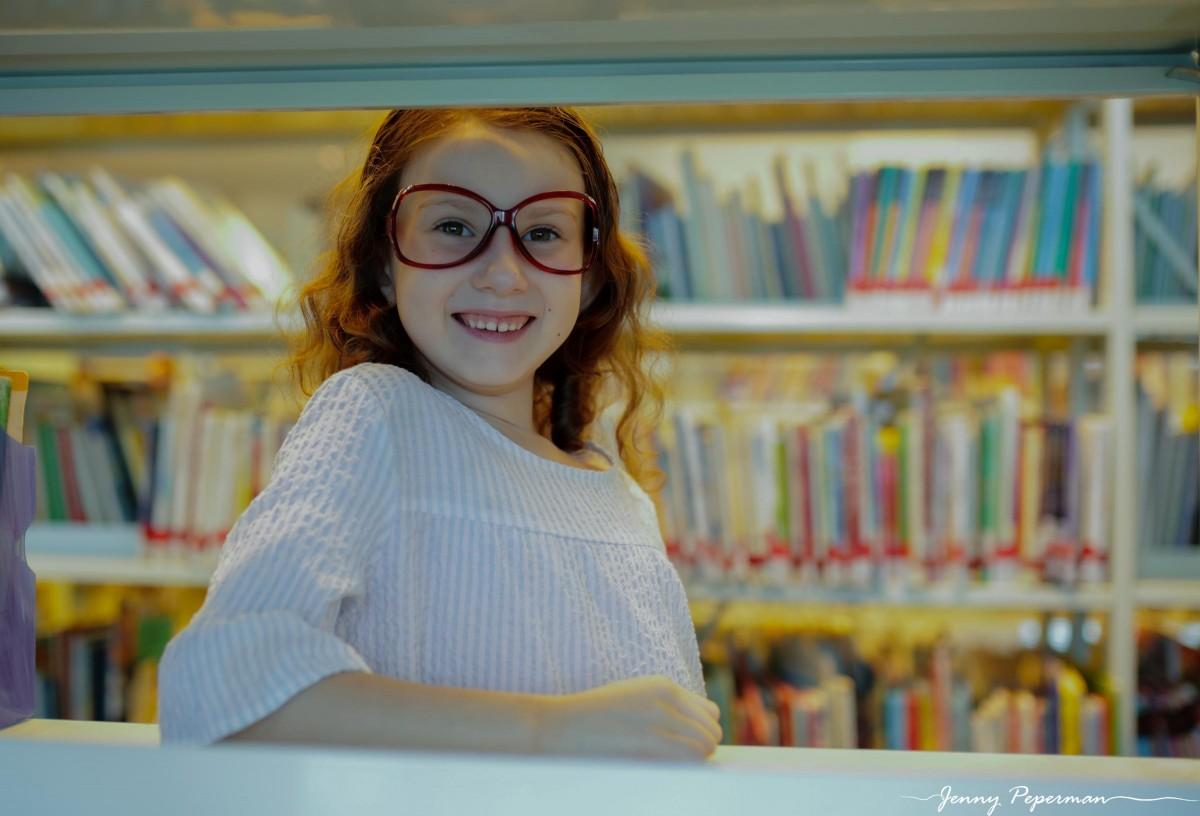 ג'ני פפרמן צלמת הריון, נשיות, בוק בת מצווה ותדמית IMG_0792 שלום כיתה א' או איך מצלמים ילדה שלא רוצה ללכת לבית ספר? צילומי כיתה א' קצת אחרת