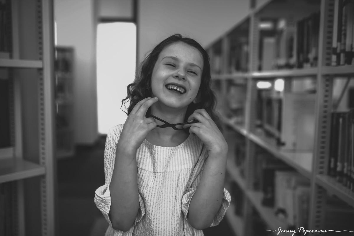 ג'ני פפרמן צלמת הריון, נשיות, בוק בת מצווה ותדמית IMG_0812 שלום כיתה א' או איך מצלמים ילדה שלא רוצה ללכת לבית ספר? צילומי כיתה א' קצת אחרת