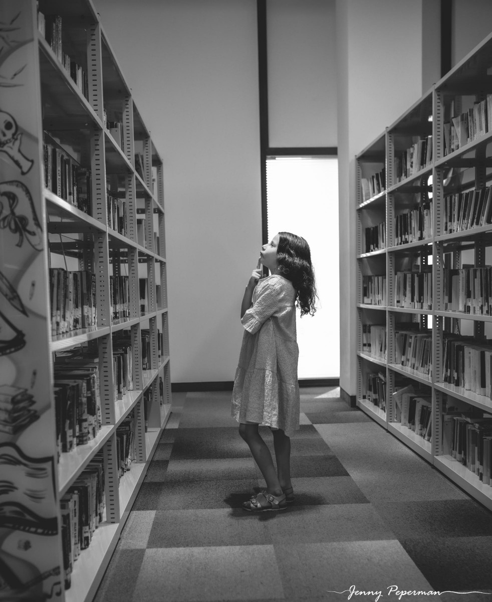 ג'ני פפרמן צלמת הריון, נשיות, בוק בת מצווה ותדמית IMG_0915 שלום כיתה א' או איך מצלמים ילדה שלא רוצה ללכת לבית ספר? צילומי כיתה א' קצת אחרת