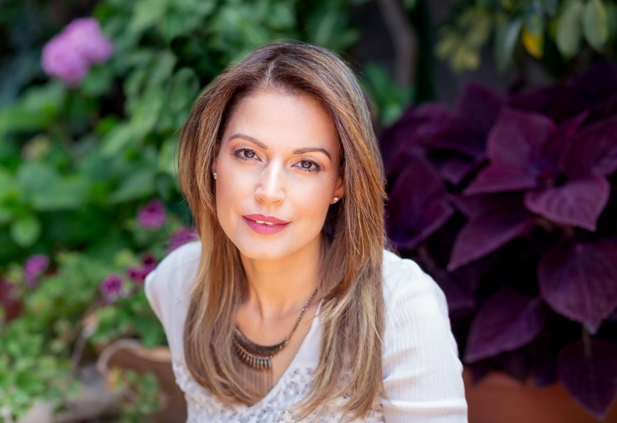 ג'ני פפרמן צלמת הריון, נשיות, בוק בת מצווה ותדמית IMG_0388-Edit נועה אוליאל- פורטרט עסקי
