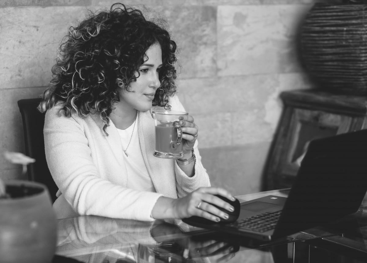 ג'ני פפרמן צלמת הריון, נשיות, בוק בת מצווה ותדמית -צילומי-תדמית-15 צילומי תדמית עם חברה הכי טובה