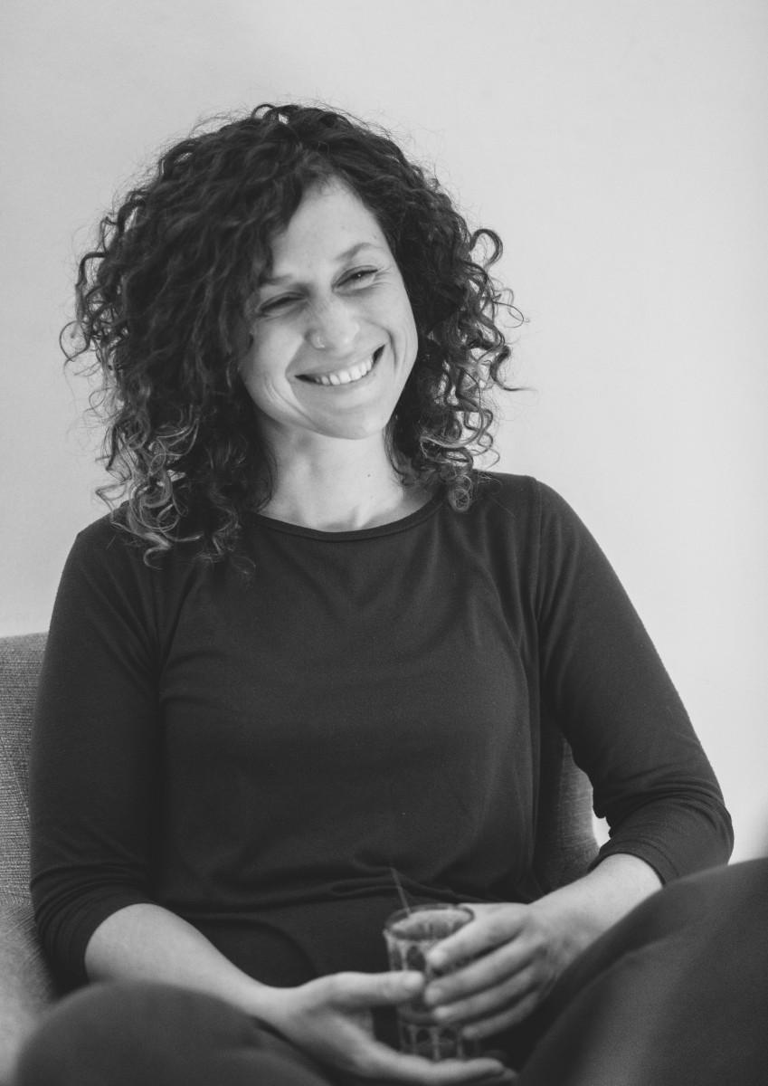 ג'ני פפרמן צלמת הריון, נשיות, בוק בת מצווה ותדמית -שמעון-צילומי-אווירה-11 צילומי ואווירה בשחור לבן