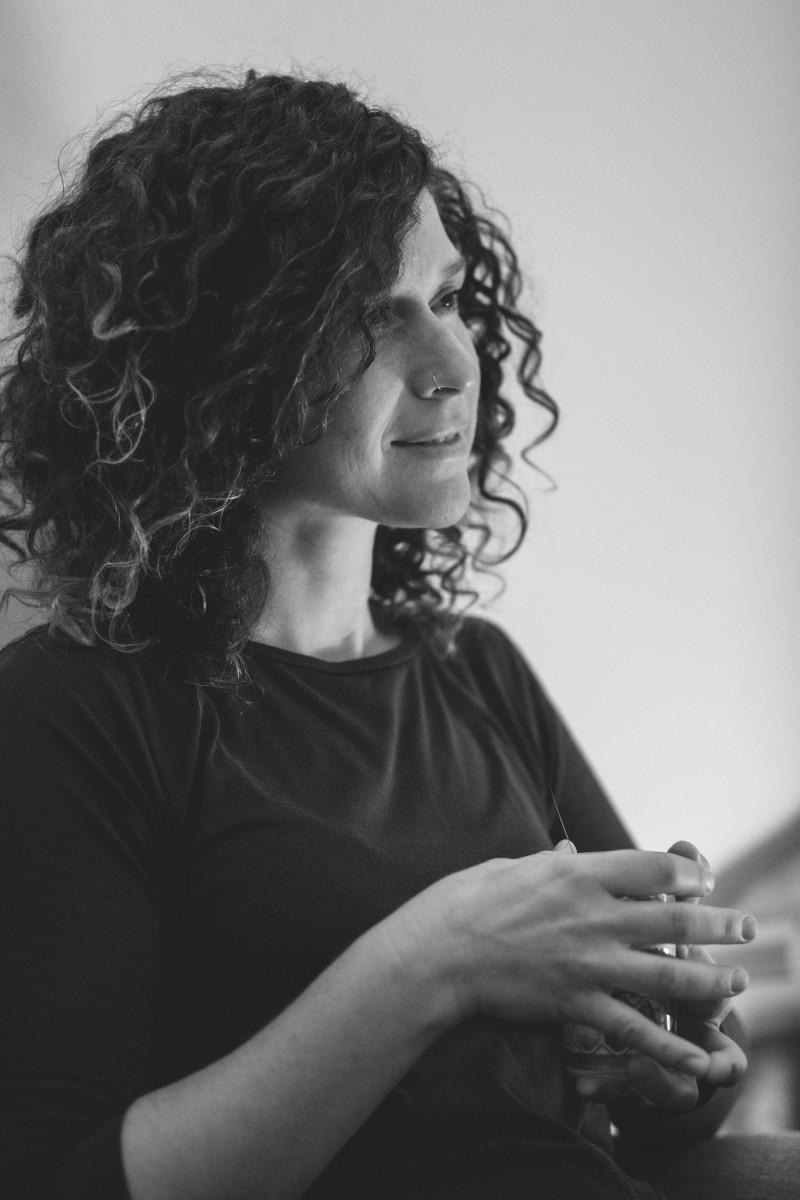 ג'ני פפרמן צלמת הריון, נשיות, בוק בת מצווה ותדמית -שמעון-צילומי-אווירה-14 צילומי ואווירה בשחור לבן