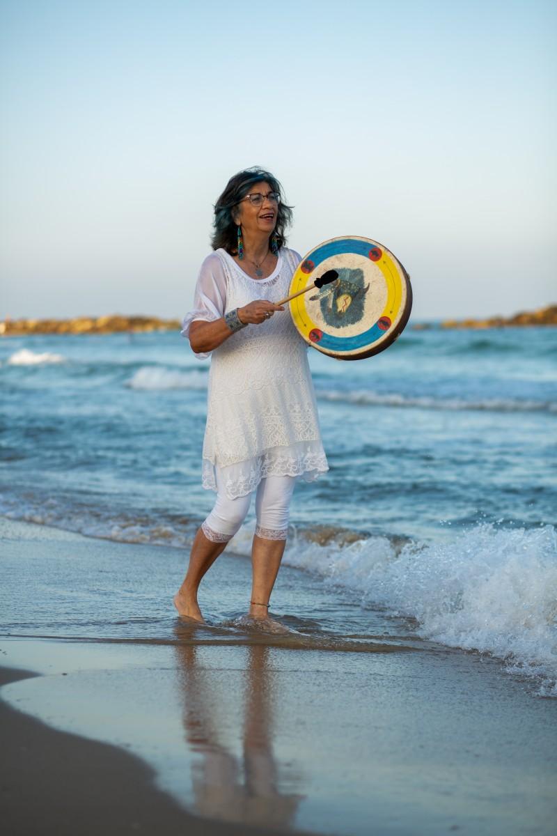 ג'ני פפרמן צלמת הריון, נשיות, בוק בת מצווה ותדמית -טל-דורות-צילומי-תדמית-ואווירה-11 צילומי תדמית בים- חוויה מרגשת!