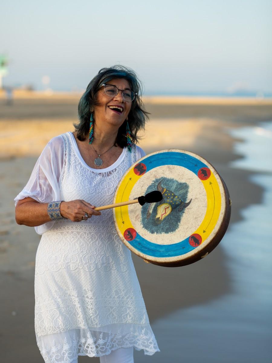ג'ני פפרמן צלמת הריון, נשיות, בוק בת מצווה ותדמית -טל-דורות-צילומי-תדמית-ואווירה-15 צילומי תדמית בים- חוויה מרגשת!